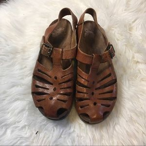 🎞Mephisto brown leather sandals